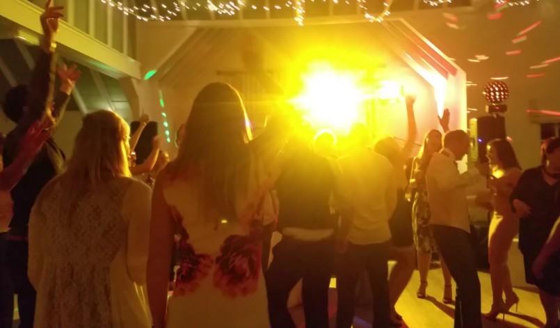live wedding reception entertainment