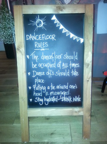 West Midlands wedding band dancefloor rules sign
